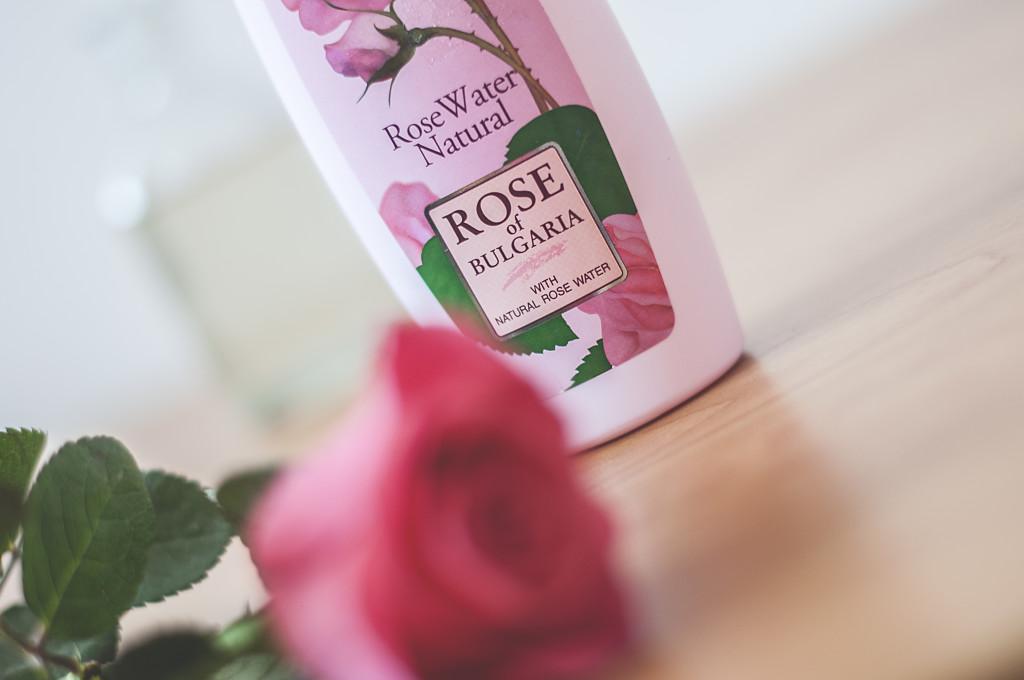 Woda różana – Eliksir młodości dla skóry.